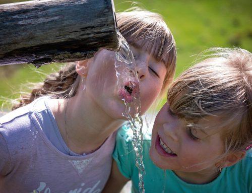 Regelmäßig genügend Wasser trinken!